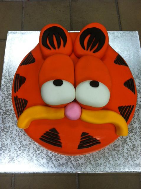 sc-garfield-cake