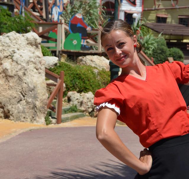 Olivia, en el pueblo de Popeye en Malta