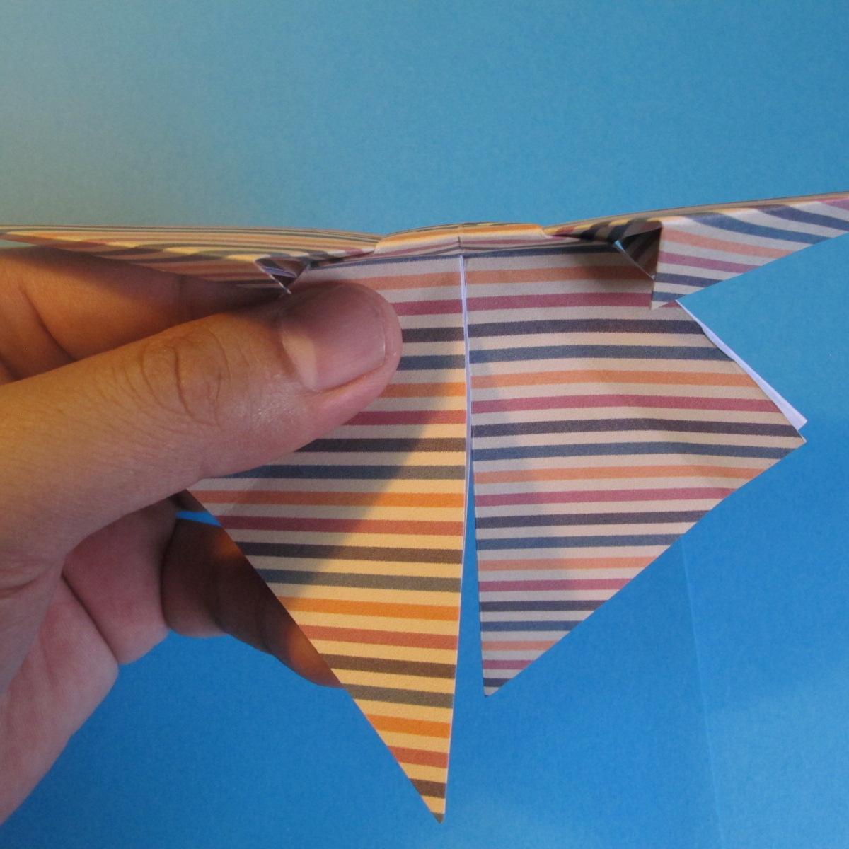 วิธีการพับกระดาษเป็นโบว์หูกระต่าย 022