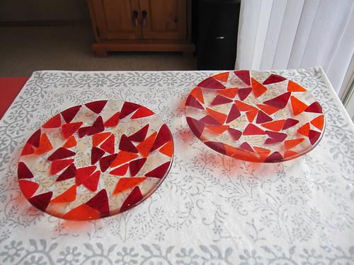 赤い三角チップのお皿 2014.2.27 by Poran111