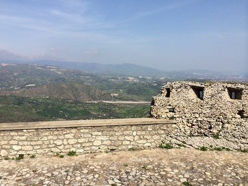 Tropea - Gerace , one day trip .