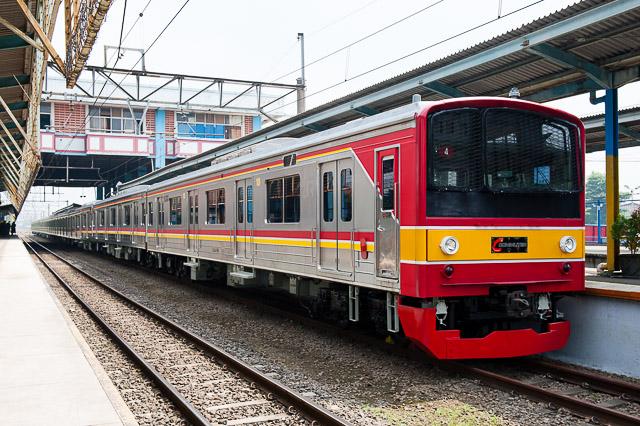 KCJ Seri205 205-92F(川4編成) Stasiun Depok Baru(DPB)留置