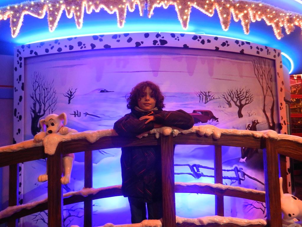 Un séjour pour la Noël à Disneyland et au Royaume d'Arendelle.... - Page 7 13914432654_8caeba2f8a_b