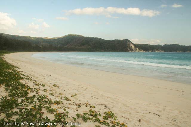 Indonesia - Sumba - Tarimbang - 18 - Finally the beach
