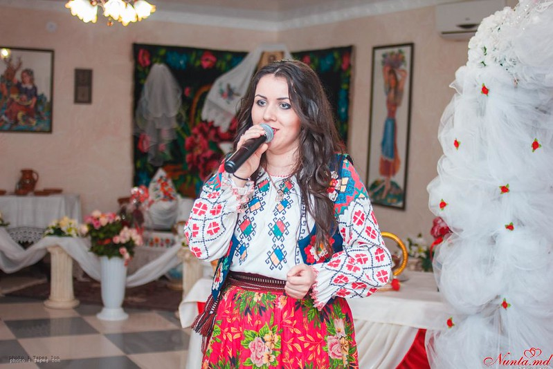 Ведущая и Певица-  Mariana Bogaci