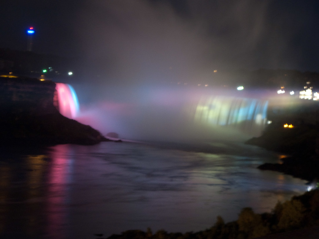 View of Horseshoe Falls, Niagara Falls, at night
