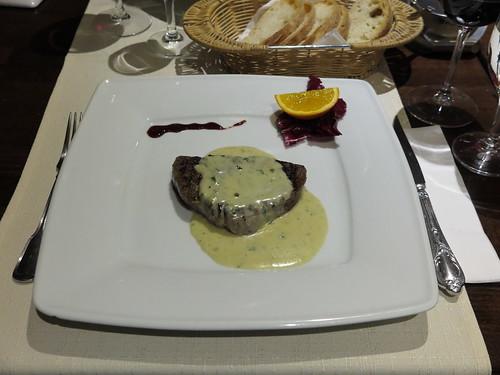 Rinderfilet mit Gorgonzola und Brot (mein Hauptgericht im Ristorante Da Paolo am Rosenplatz in Osnabrück)