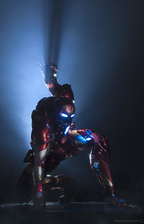 """Maybe the Best """"Landing Pose"""" I have seen in an Iron Man Figure. (Fig by Sentinel Toys once Again) ❤️"""
