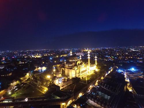 Szulejmán dzsámi és a Mahyâ a levegőből