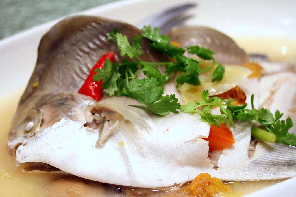 Chui Huay Lim Teochew Cuisine's Teochew Style Steamed Pomfret