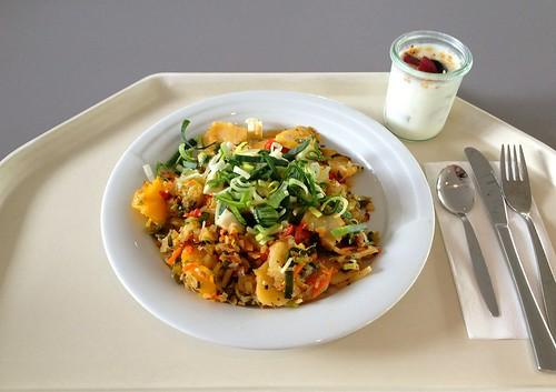 Kartoffelgeröstel mit Lauch & Schafskäse / Roast potatoes with leek & feta
