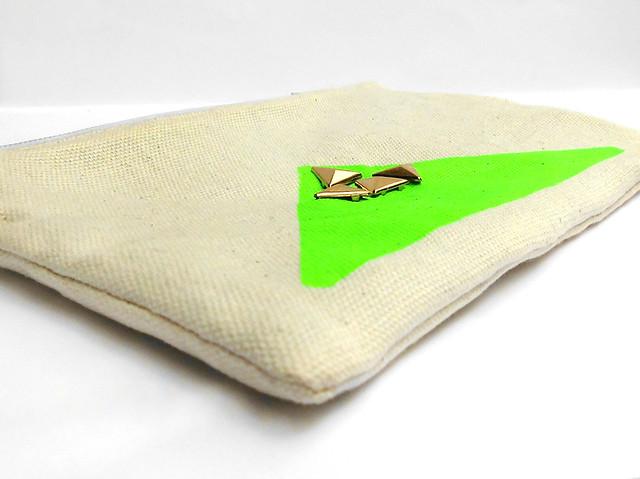Pouch Neon e Borchie green