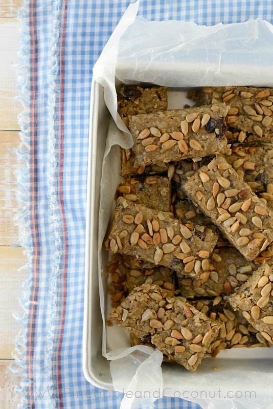 No Bake Oatmeal Breakfast Bars www.pineappleandcoconut.com