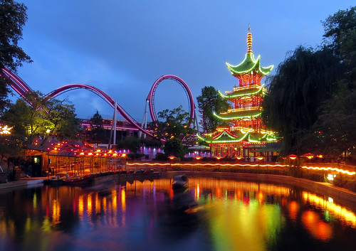 Tivoli Gardens - Torre Chinesa e Montanha Russa