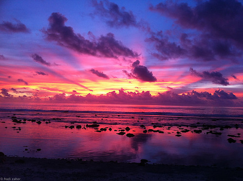 red sea cloud sun reflection beautiful sunrise spectacular island dawn twilight ray pacific south silhouettes beam heavenly sunbeam breathtaking micronesia nauru