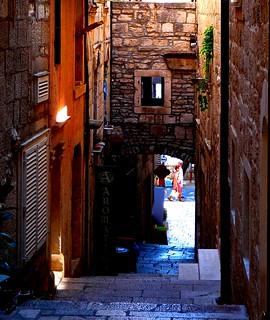 Dark Alley Croatia #dailyshoot  #leshaines123