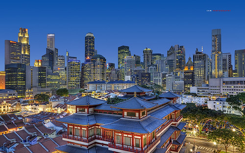 The Buddha Tooth Relic Temple and Singapore Skyscrapers