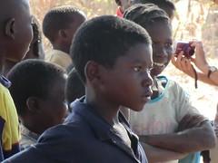 Zambia. Aldea entre Kasama y Mporokoso. ¡Qué mirada!