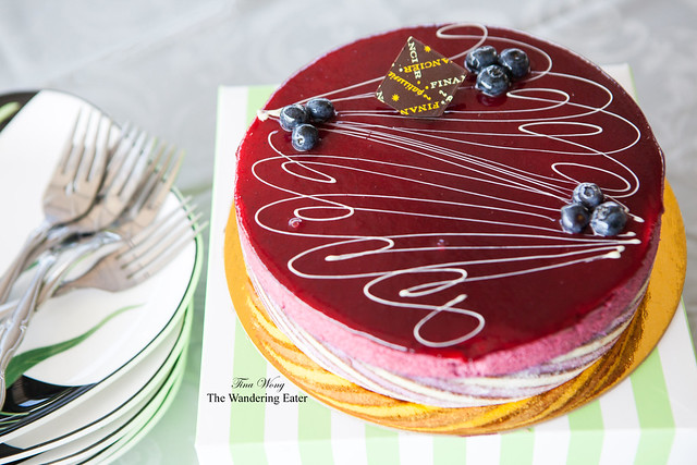 Cassis White Chocolate cake (large size)