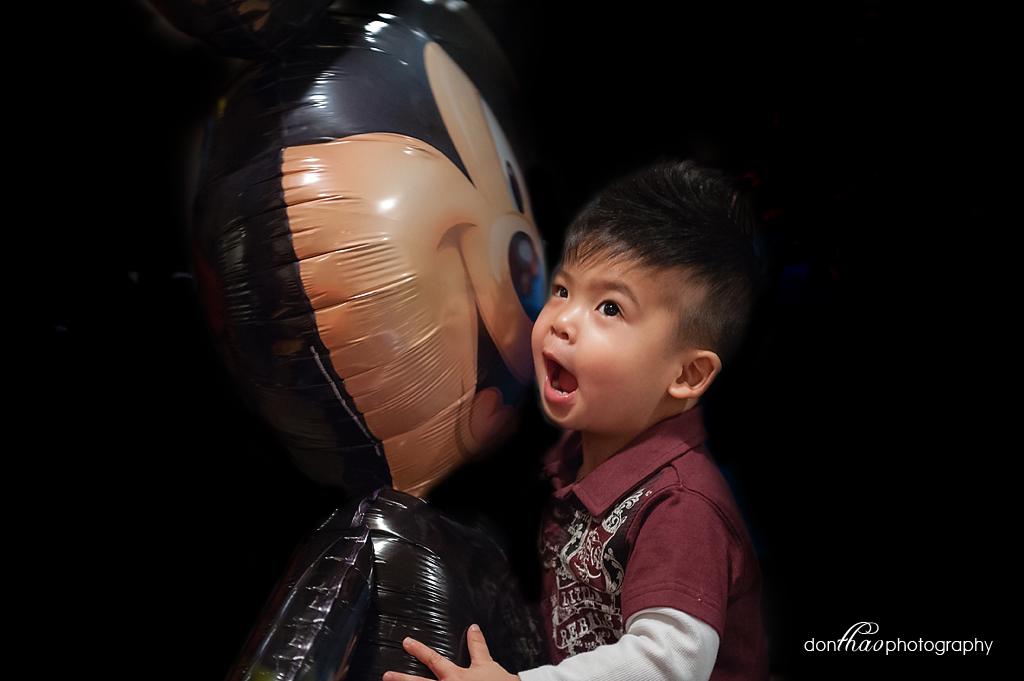 personal 365 - toddler with giant Mickey balloon photography