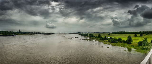 River landscape Zaltbommel Panorama