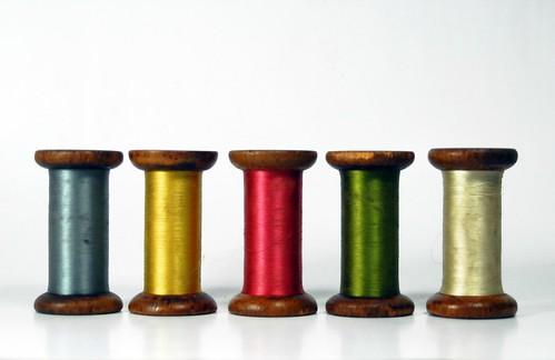 Vintage-Wooden-Bobbins