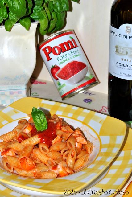 Mezze penne con sugo si salmone e surimi al basilico (5)