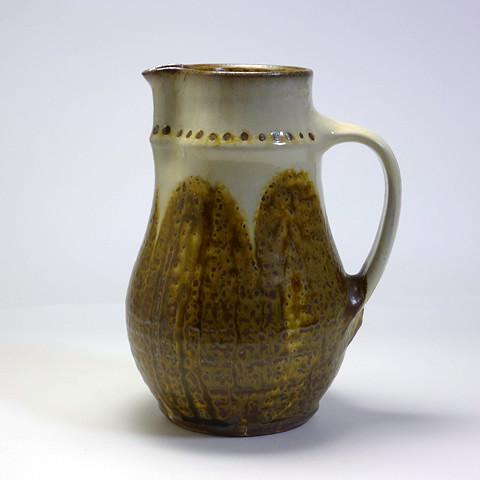 ふもと窯「ピッチャー/飴釉流掛けドット文(20cm)」