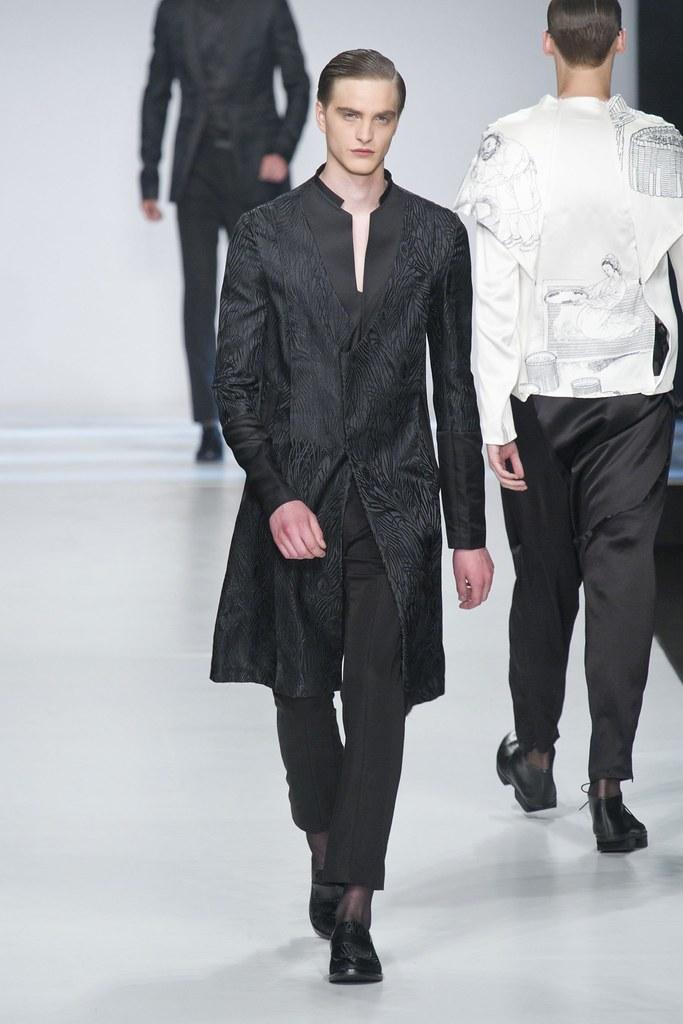 SS14 Milan Ji Wenbo043_Robert Laby(fashionising.com)