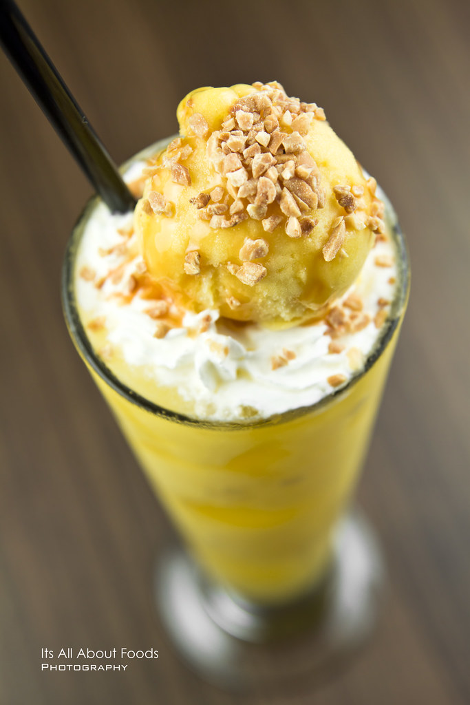 mango-passion-fruit-with-mango-ice-cream-smoothies-the-journey-cafe