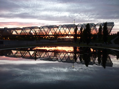 madrid sunset water reflex manzanarespark
