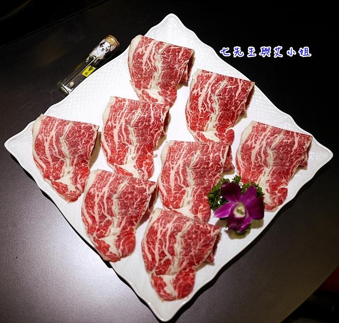 25 鼎膾一品涮涮鍋 北海道毛蟹專賣