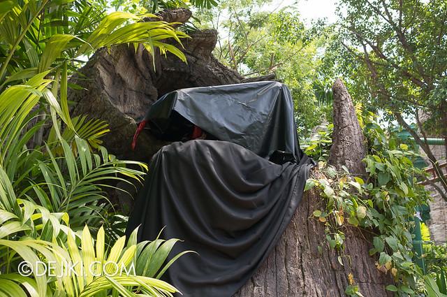 HHN3 Before Dark 2 - Forbidden Forest - Spider? Scorpion?