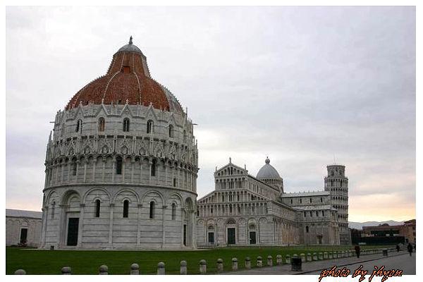1108878270_斜塔、教堂與洗禮堂