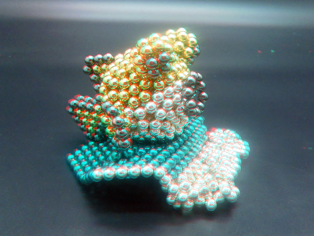Colorful-Puffer-Fish-Rides-the-Wave-in-3D