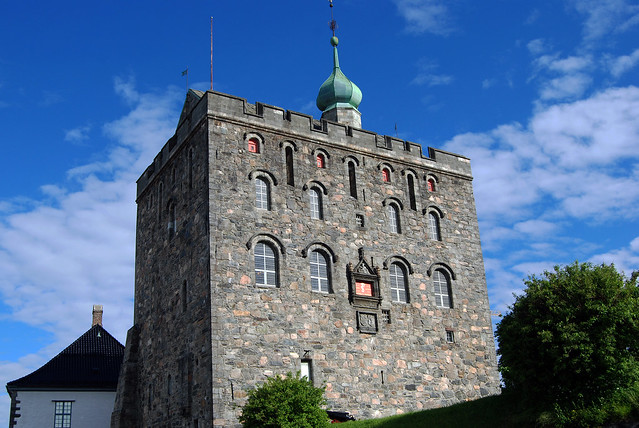 Bergenhus Fortress by CC user hbarrison on Flickr