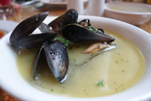 Pot Steamed Mussels at InterContinental Singapore's Champagne Brunch