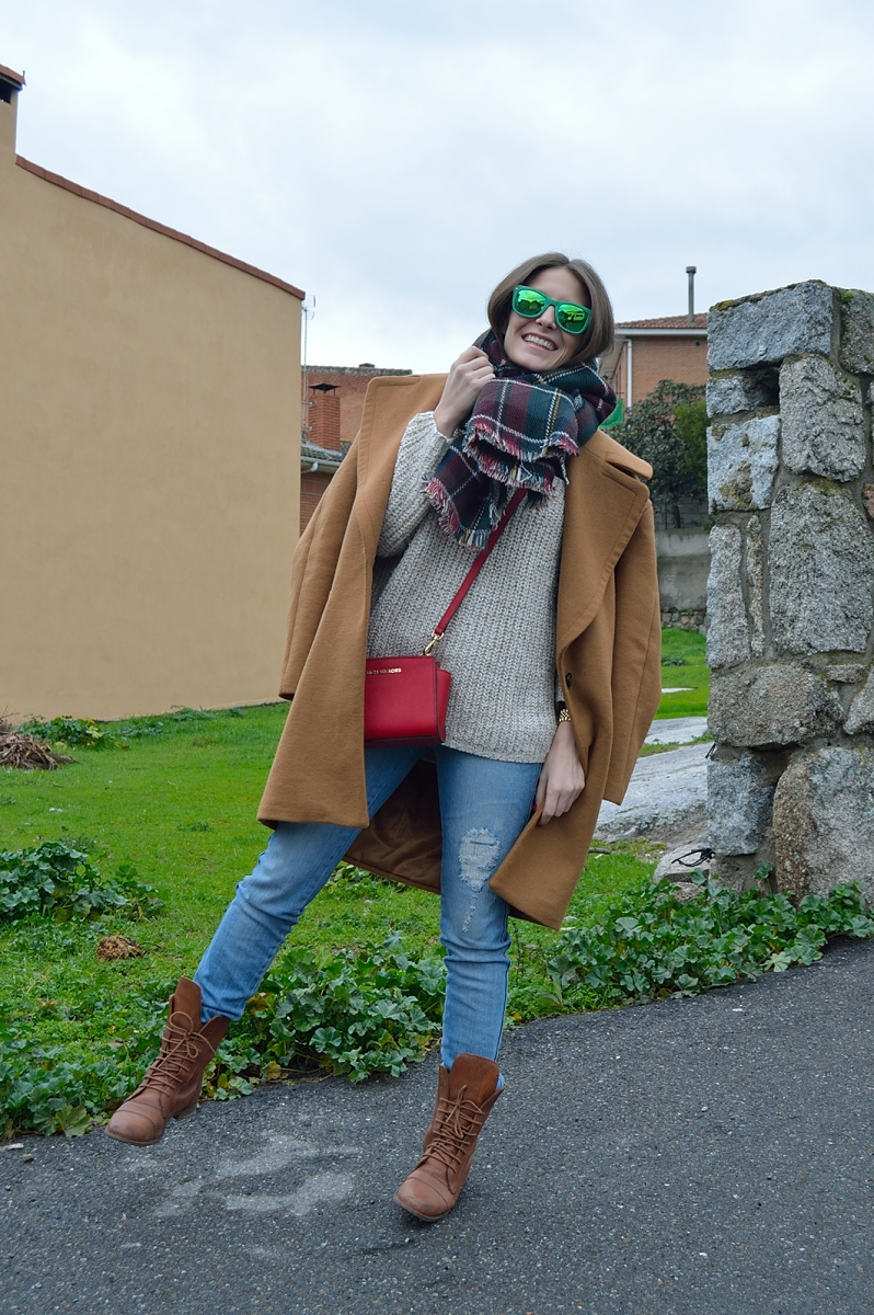 lara-vazquez-madlula-blog-green-shades-brown-coat-plaid-foulard-winter