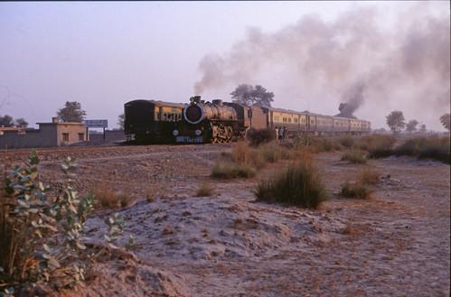 1990 pakistanrailway pakistanrailways treinvakantie treinvakantieinpakistan steamtrainsinpakistan thattamahla20november1990 thattamahla20november pakistanrailwayslocswd5590 prsteamenginewrd5590