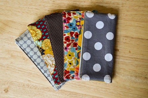 How To: Fabric Checkbook Covers with Vinyl Window