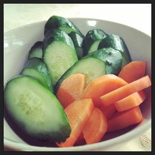 胡瓜と人参のぬか漬け。Pickled cucumber and carrot.