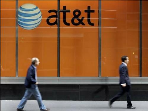 AT&T adquirirá las compañías que operan bajo el nombre de Nextel México y todas las propiedades inalámbricas en México en poder de NII Holdings, lo que incluye licencias de espectro, activos de redes, tiendas y una cartera de cerca de 3 millones de suscriptores. Foto Ap