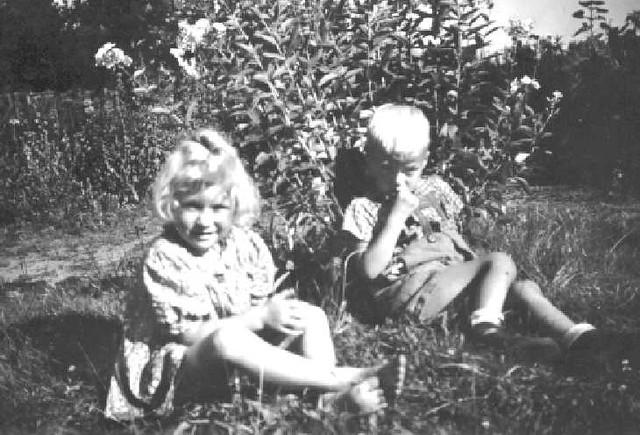 063-0012 Gisela und Manfred, Nichte und Neffe von Anneliese Sauff
