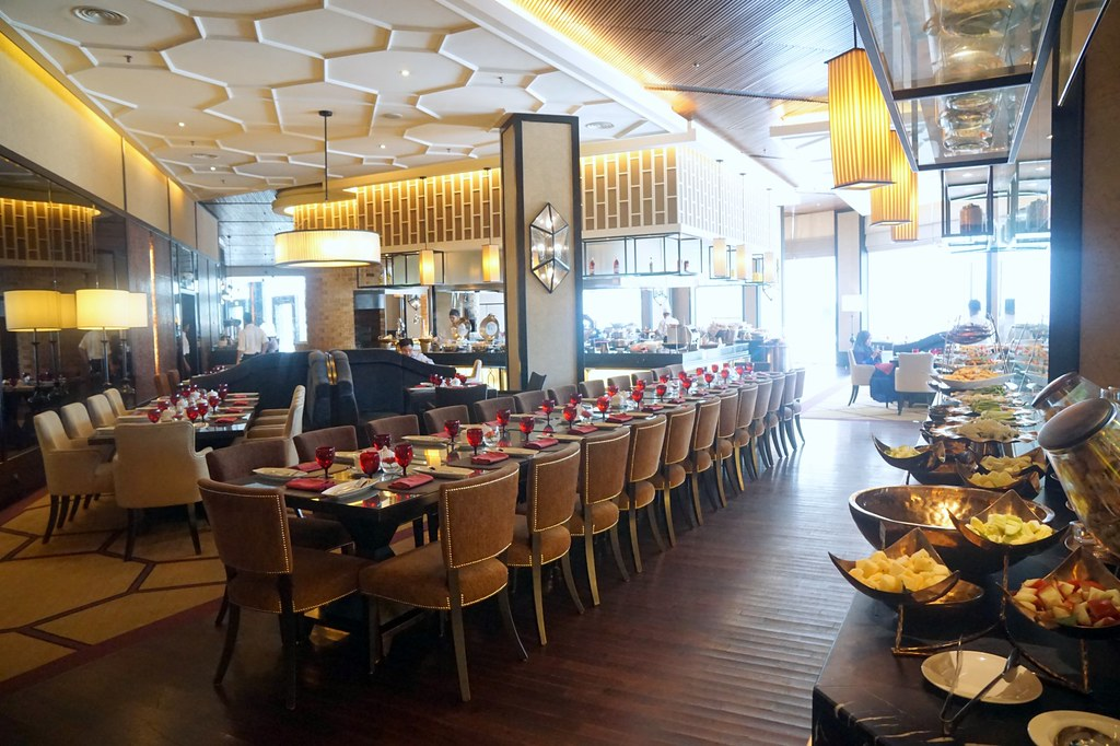 majestic hotel - buffet at contango-001