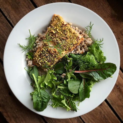 Fav @BlueberryNutrit meal so far. Orange pistachio salmon. Barley. @Stevesleaves. Perfect lunch for post #crossfit.
