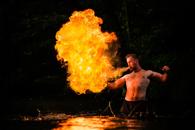 Feuerspuckender Wikinger