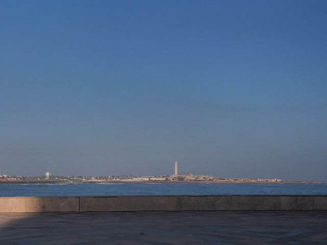 回頭望昨天拍攝HASSAN II清真寺的燈塔區