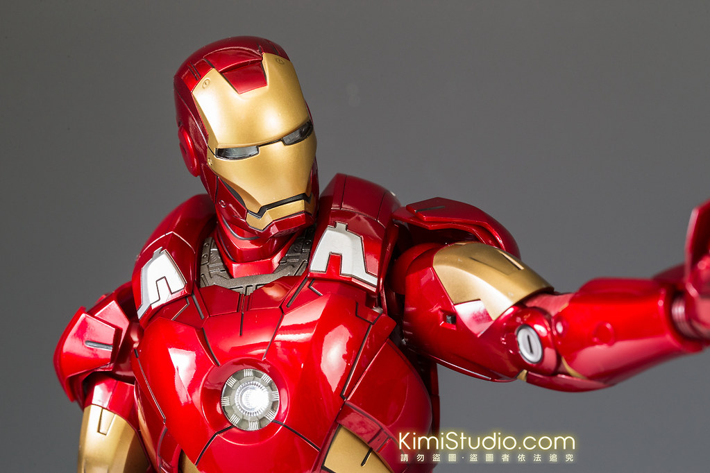 2013.06.11 Hot Toys Iron Man Mark VII-041