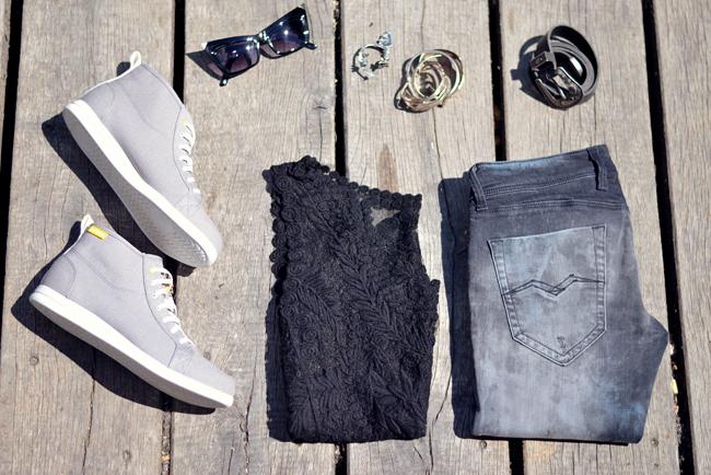Crocs Festival Outfit Snapshots 8