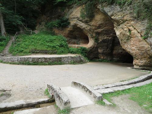 latvia grotto cave sigulda vidzeme gaujanationalpark gutmaniscave gutmanis gutmanacave gutmanaala gutmana viktoracave